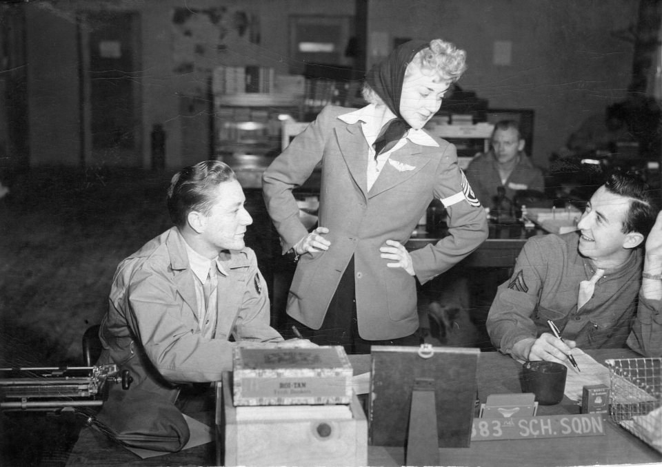 George Edwin Farrar on left with movie Star Anne Shirley 383rd School Squadron in Albuquerque, New Mexico