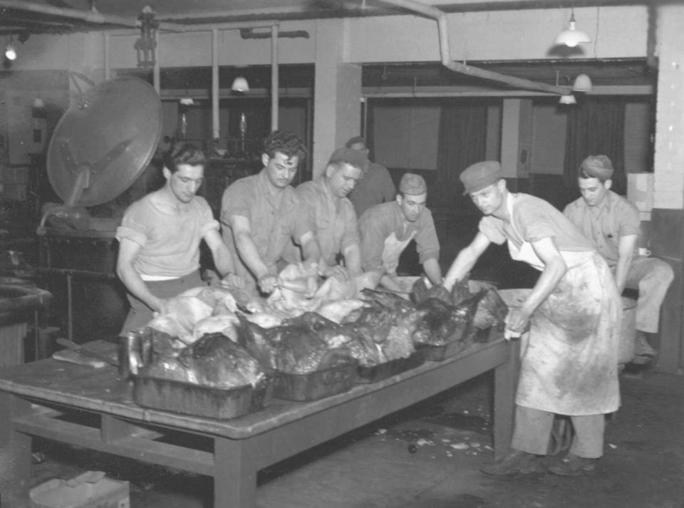 384th Bomb Group, Grafton Underwood, Enlisted Men's Mess Hall, Thanksgiving Day