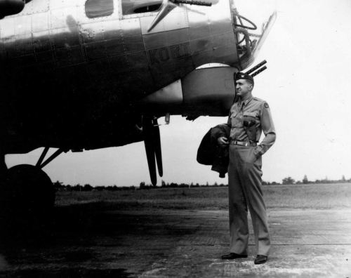 "384th Bomb Group Commander Dale Smith with ""Kurt,"" the B-17 named after his son"