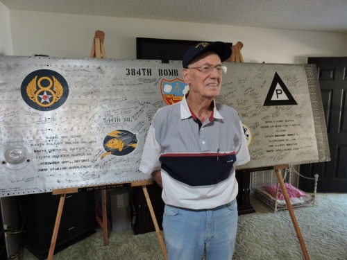 Fred Rubin, the 141st 384th Bomb Group veteran to sign the wing panel