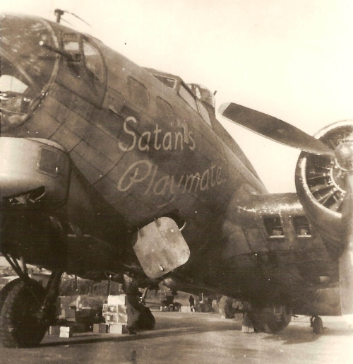 Loading B-17G 42-97510, SATAN'S PLAYMATE for the Christmas flight to Nantes, France, 1944 Source: The Quentin Bland Collection.