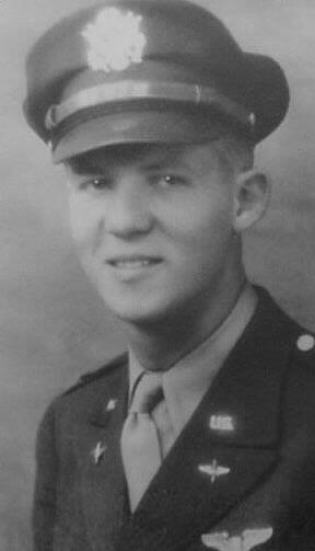 Lloyd Oliver Vevle, 384th Bomb Group